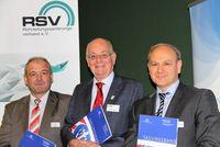 RSV Geschäftsführer Tim Krüger, GSTT Geschäftsführer Dr. Klaus Beyer, Präsident Brandenburgische Wasserakademie, Peter Sczepanski